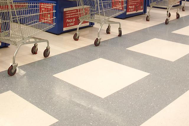 Supermercados: 10 dicas para manter o seu piso limpo