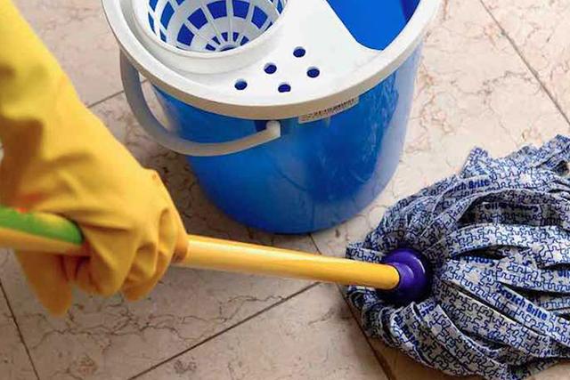 O que você deve avaliar na hora de contratar um serviço de limpeza terceirizada para o seu condomínio