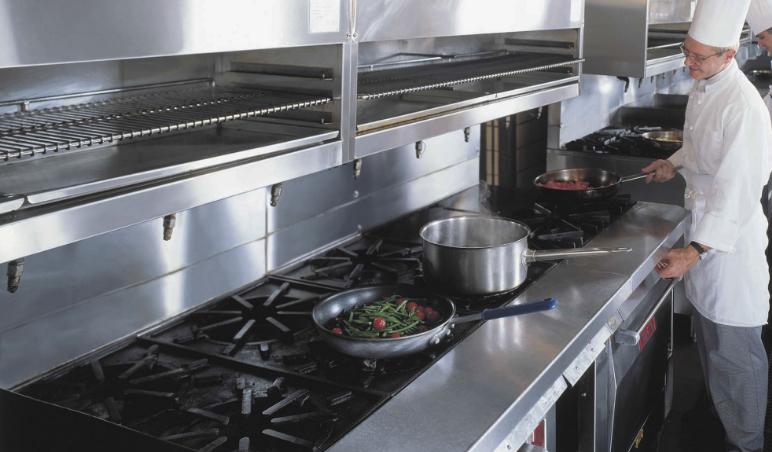 4 itens que você deve estar atento na limpeza de cozinhas industriais
