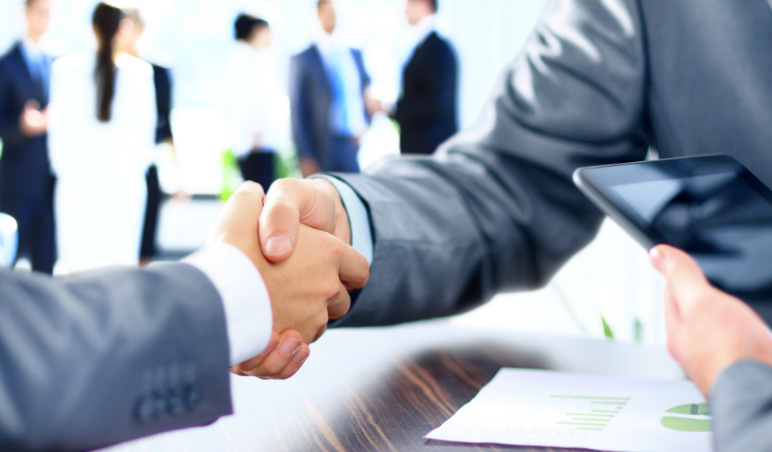 6 pontos que você deve negociar na hora de contratar uma equipe terceirizada e não ficar na mão